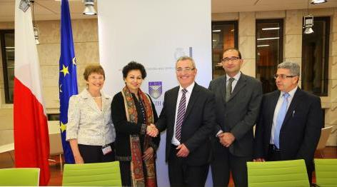 Malta COL MOU on collaboration in Digital Education